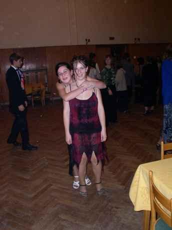 to je foto z tanečních za mnou moje kámoška