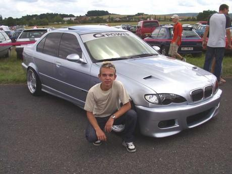 hezkej, co? :-) na Tuning Expres Show 2005 ;-)