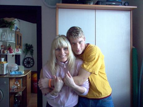 Blondacek3