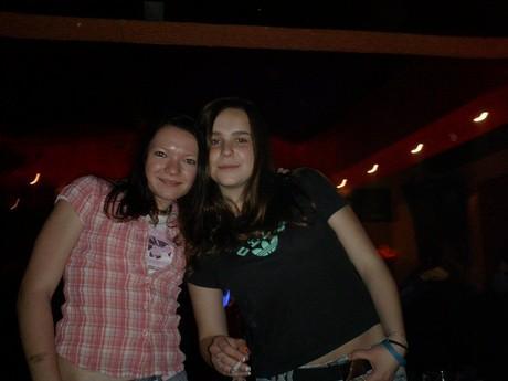 moje Iwulka s mojí Romankou(skwělý holčeny:)...mám wás ráda holky:-*)