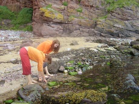 byla to snad ta nejhezčí pláž jakou sem kdy viděla!!! tady zrovna sbíráme kamínky a mušle !603!