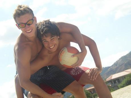 Marek a Honzík na pláži