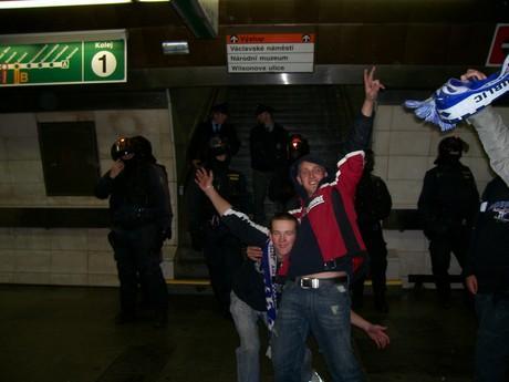 S Michalem cestou v metru na Spartu,boži cesta !2!!2! A.C.A.B. !31!
