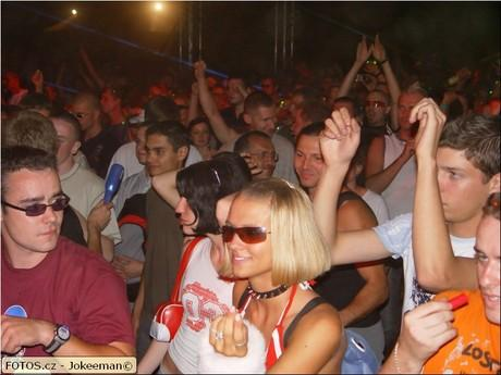 partygirl na Creamfields