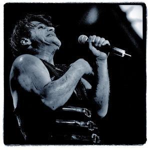 Till Lindemann - těžko k němu psát komentář... muzikant, zpěvák, textař, básník, zrůda a opravdovej člověk v jedný osobě