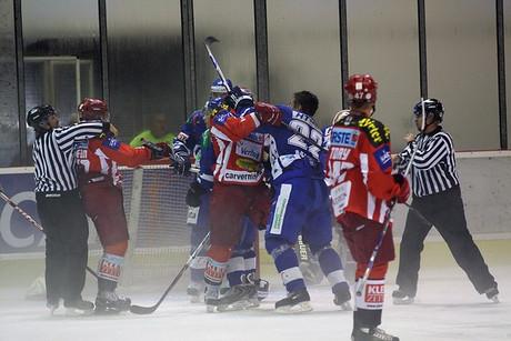 bitka na hokeju!688!