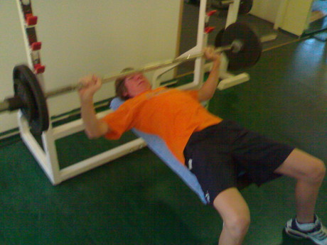 42KG-bench press