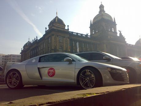 Audi R8!11! ...a v pozadí Muzeum