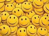 Smajlíci, úsměvy a žlutáááá!!!!!27! Tomu se říká tři v jednom... -smajly já maluju na každým rohu!1! -úsměv musí být alespoň jednou za den, abych dlouho žila !1235! -a žlutá=to je prostě božsky veselá barva, takže k tomu patří...   !923!