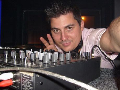 DJ-Live