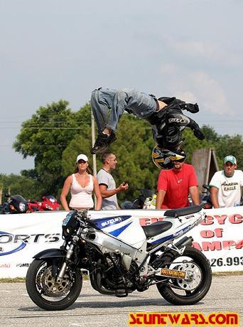 "Backflip na motorce bez motorky!!!!!!!"""