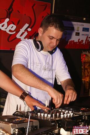 DJ_JuRiK