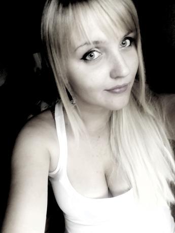 b.l.ond_girl