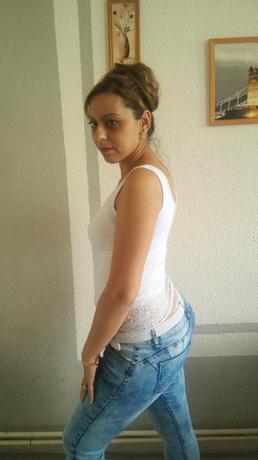 Valerie.Anika