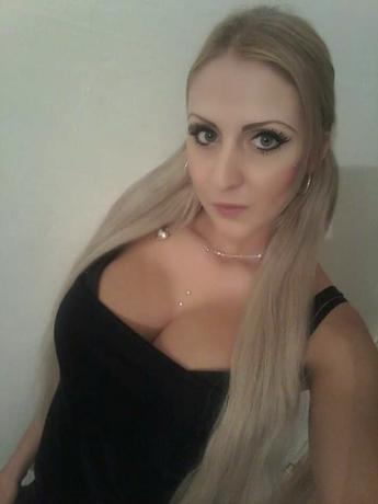 Amina8373