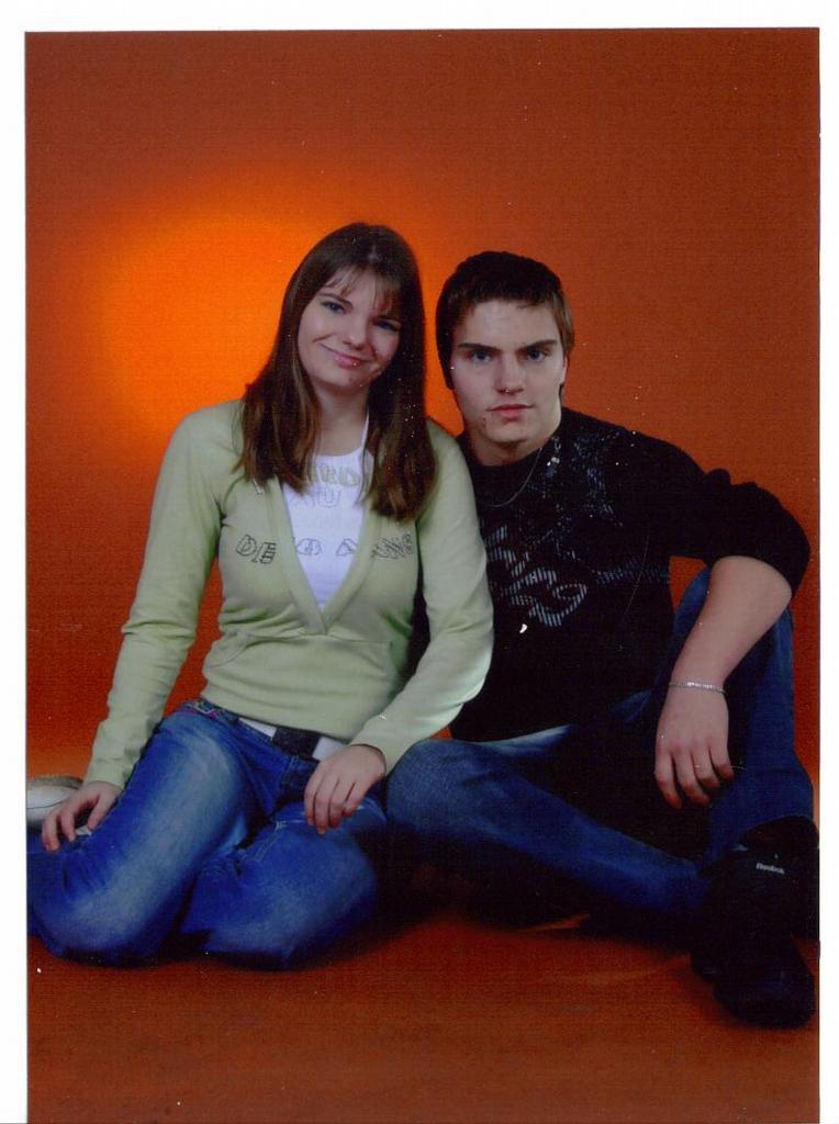 Já a brácha Kuba,fotily jsme se pro mamku k vanocum uz je to dlouho:-)