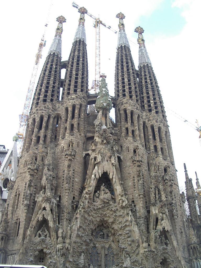 Segrada family (Barcelona)