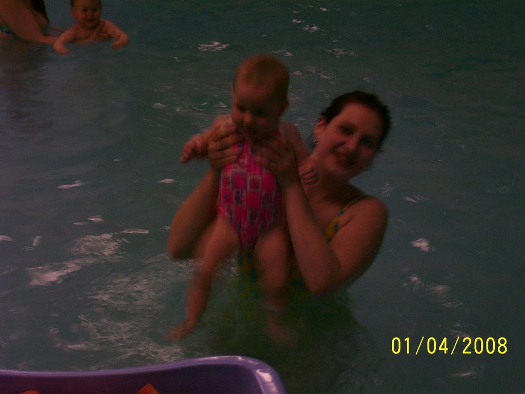 Monča a Nelča na plavání  !2!