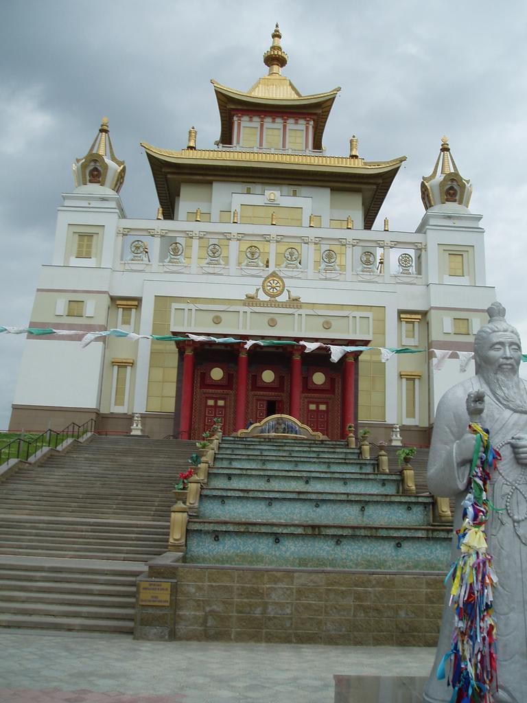 největší budhistický chrám v Evropě