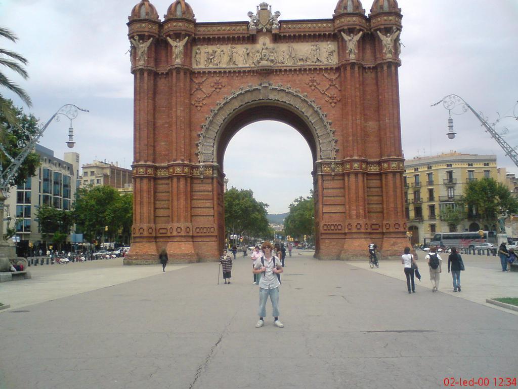 Ňákej haaus v barceloně ....těžko říct jak tomu říkaj !2!