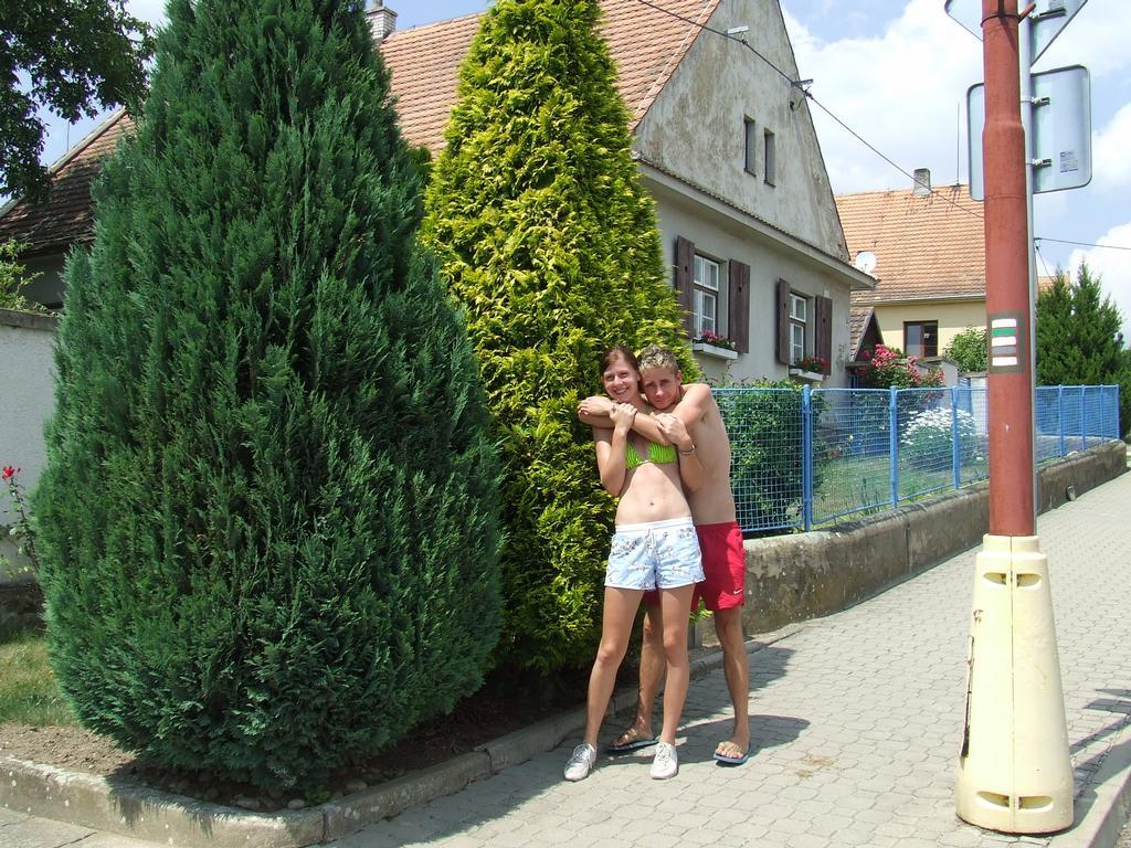 Sestra Klára s přítelem Petrem na dovolené