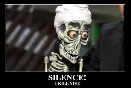 Achmeeeeed ... the dead terrorist ... prostě loutka nějvětší ... jaký hlášky on hází vždycky. ... z jeho videa se směju ještě 30 minut po skončení ...  !927!