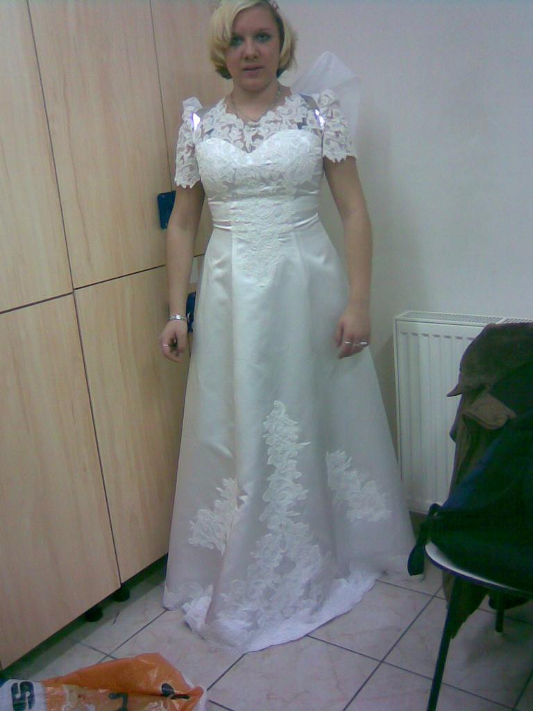 po druhe jako andilek mam na sobě svatebni šaty !1134!