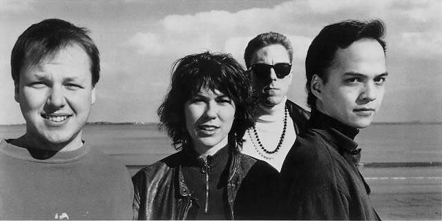 Pixies.Cosi mezi vším,možná indie-punk. Doporučuju poslechnout si, škatulkování je na piču.Úžasná muzika. !969!