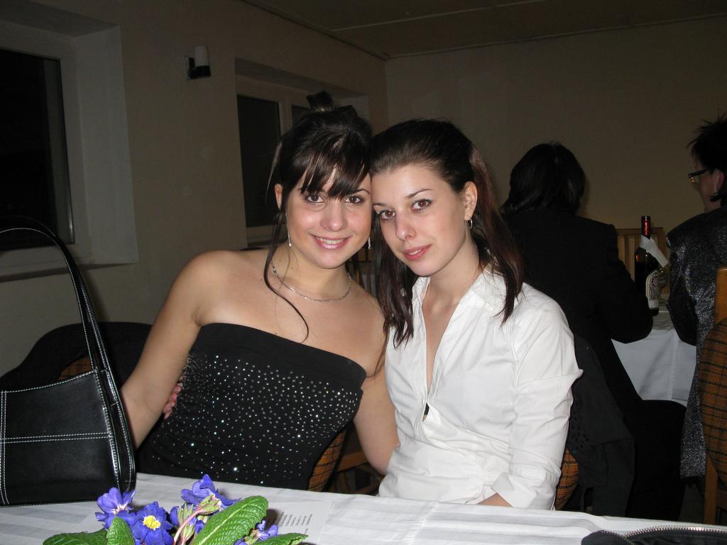 s paníí Bobčou na plese v Troubskuu,,, !521!