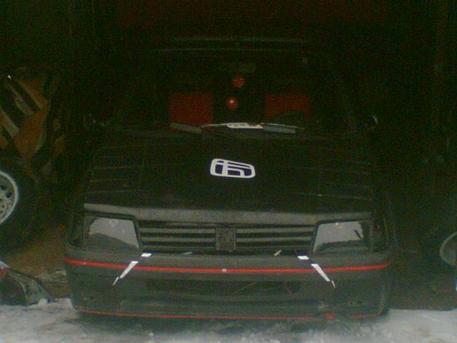 muj mazel 205 GTI !11! !11! !11! !11!