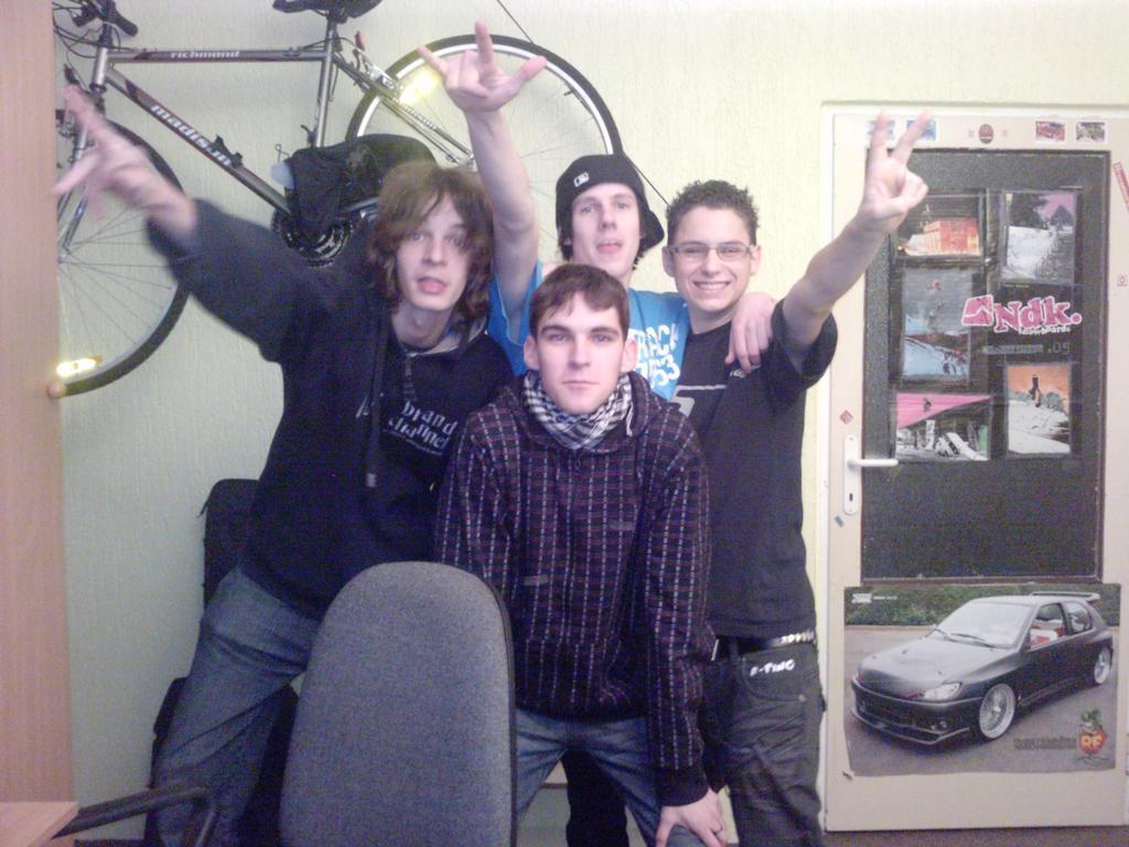 Ano to jsou oni, Kadaňská punk-rocková čtyřka :D, 3 muzikanti a Míra menežr :D
