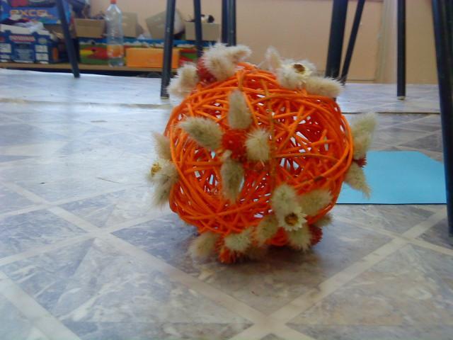 Pediková koule naaranžovana v soutěží