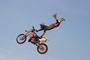 Freestyle motokross tenhle umí...