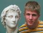 S bustou Alexandra Makedonského...