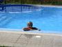 užívání si v bazénu!1!